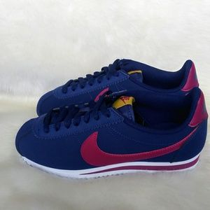 Nike Classic Cortez Leather Womens Sneakers